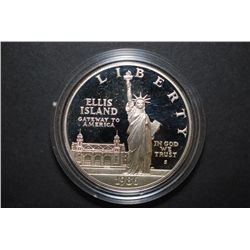 1986-S US Liberty Ellis Island Commemorative $1 In Velvet Box; EST. $30-40