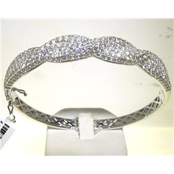 18K BANGLE WITH DIAMOND