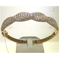 18KY BANGLES WITH DIAMOND