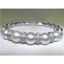 18K PEARL AND DIAMOND BANGLE
