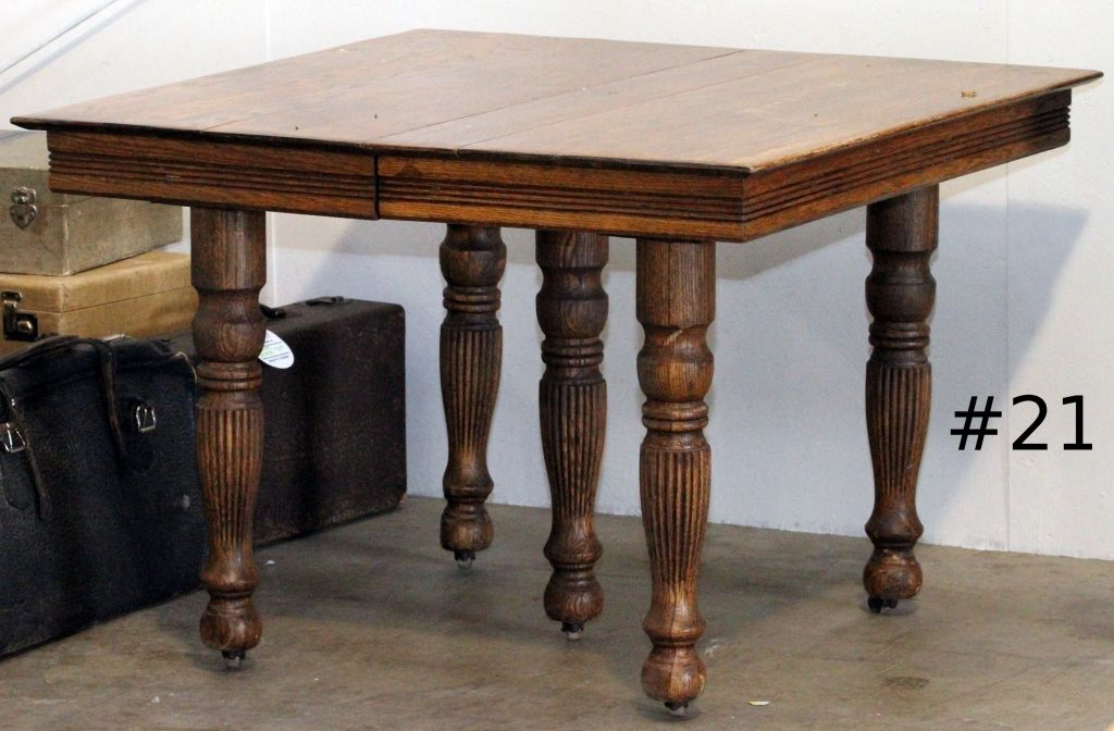 Beautiful Quarter Sawn Oak Antique Table With Wood Casters