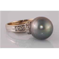Tahitian Cultured Pearl & Diamond Set Ring 8.17 grams