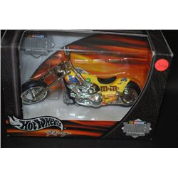 2001 Mattel Hot Wheels Inc. Nascar Thunder Rides Collectible Motorcycle; EST. $10-20