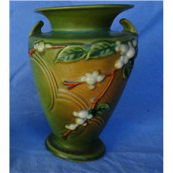 Roseville vase IV2-8, green snowberry