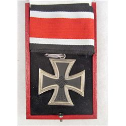 CASED GERMAN NAZI KNIGHTS CROSS TO THE IRON CROSS