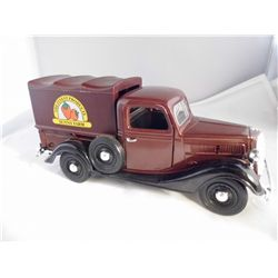 1/24 Scale Sunny Side - 1937 Truck w/spare tire & Sunny Farm canopy