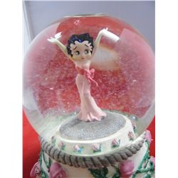Vandor - Betty Boop Musical Snowglobe - Red Roses for A Blue Lady Tune - Item # 10309