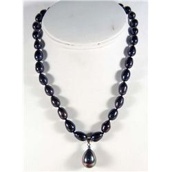 6489 - BLACK AKOYA PEARL NECKLACE & PENDANT