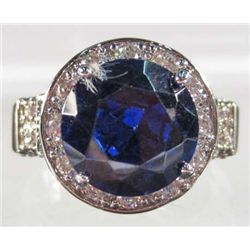 6557 - WHITE GOLD PLATE RING W/ SAPPHIRE AND WHITE TOPAZ - SZ 7 - 25.2 CTW