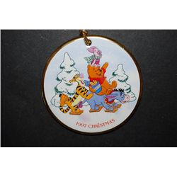 "1997 Grolier Collectibles Winnie The Pooh ""Pooh's Skating Party"" Collectible Porcelain Disk Christma"