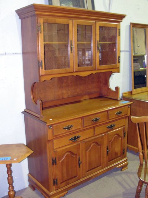 Image 1 Solid Roxton Maple Buffet And Hutch