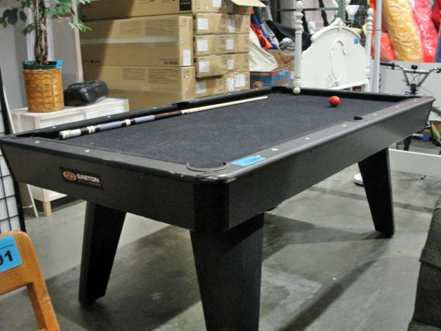 Easton Pool Table With Cue - Easton pool table