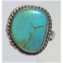 Sterling Silver Vintage Navajo Handcrafted Turquoise Ring