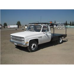 1981 GMC Custom Deluxe 30 S/A Flat Bed Truck