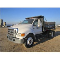 2005 Ford F-650 S/A 5yd Dump Truck