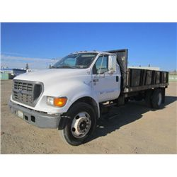 2000 Ford F650 XL SD S/A Flat Bed Dump Truck