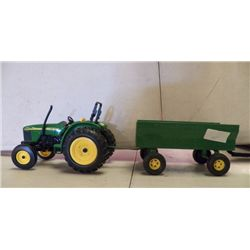 "John Deere Tractor & Trailer Green approx tractor ("" x 5"" x H 6"", trailer is 1"" x 4"" x H 4.5"