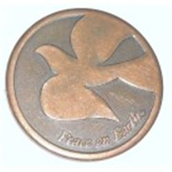 PEACE ON EARTH COIN WITH DOVES DESIGN *RARE UNC CONDITION*!!