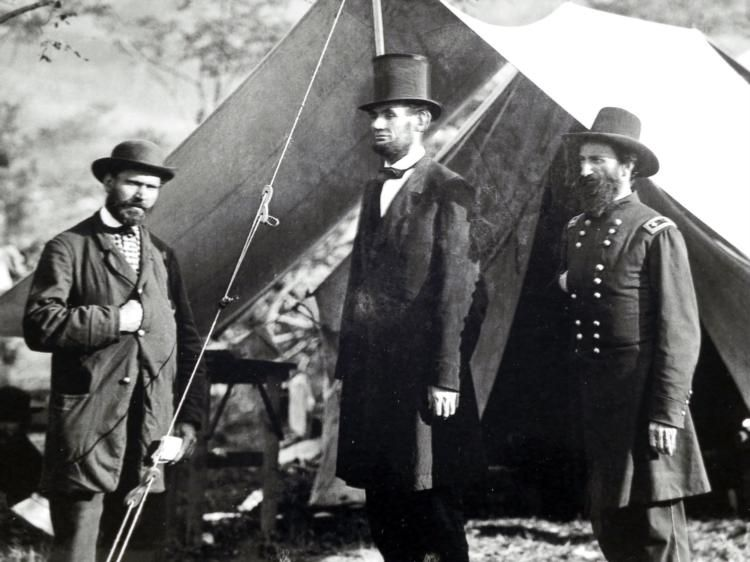 an overview of the role of abraham lincoln during the civil war Overview administrative  during the civil war  both seward and us president abraham lincoln did not want to further antagonize napoleon iii, and risk his.