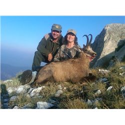 7-day chamois, gold jackal and wildcat hunt for one hunter in the Balkan Peninsula - includes trophy