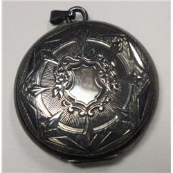 Antique Ladies Locket -Toned Silver Plated Beautiful Vintage design, clasp works
