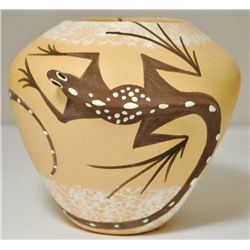 Zuni Two Lizard Pottery - Tara Edaakie