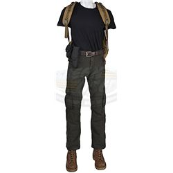 Terra Nova (television) - Commander Nathaniel Taylor's Outfit