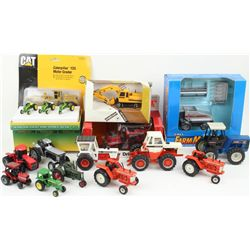 Collection of misc farm toys includes
