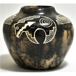 Acoma Pueblo Bear Etched Horsehair Pottery - Gary Yellow Corn Louis