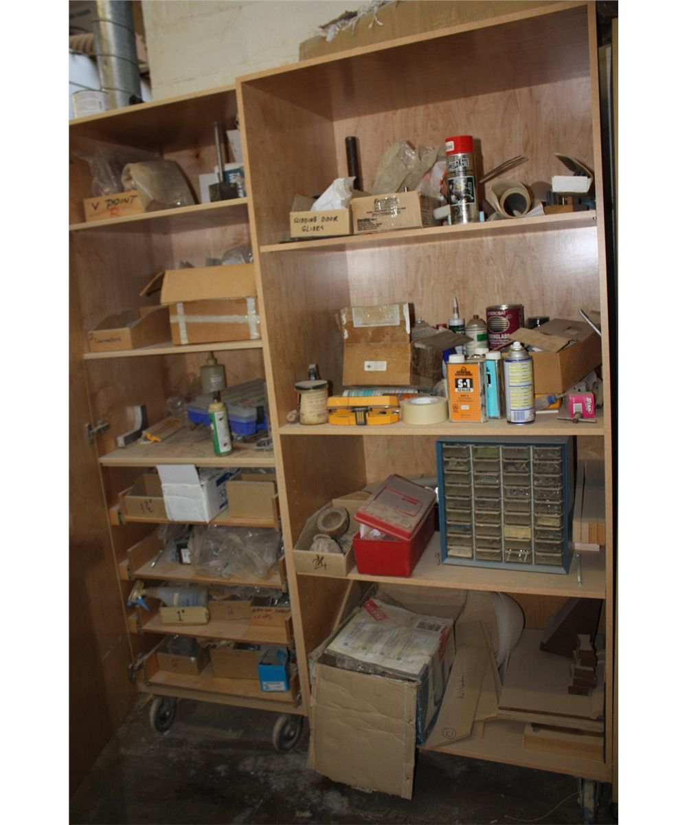 3 mobile cabinets contents able auctions for Auctions for kitchen cabinets