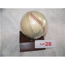 CAST OF MAJOR LEAGUE BASEBALL SIGNED BASEBALL: CHARLIE SHEEN, CORBIN BENSON,WESLEY SNIPES,