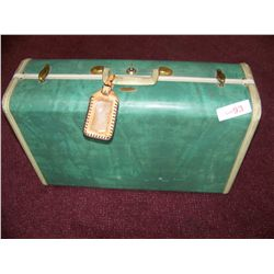 SAMSONITE VINTAGE SUITCASE & CONTENTS