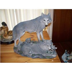 FIGURINE - WOLF FAMILY