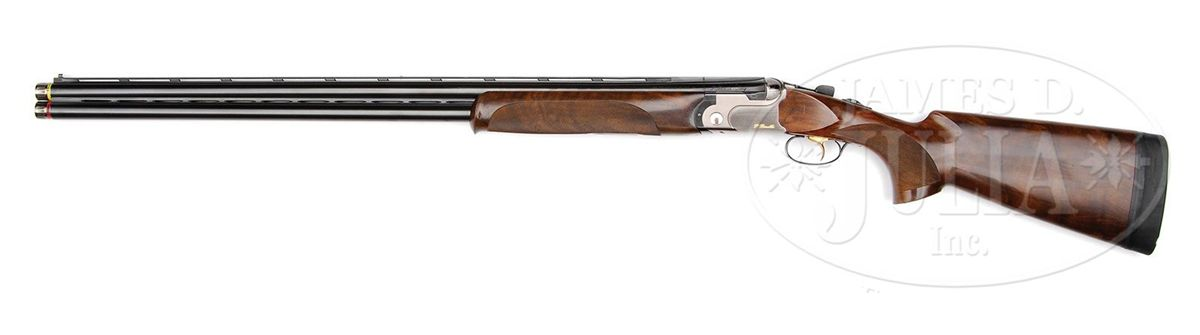 Image 2 : *BERETTA DT 10 TRIDENT SPORTING CLAYS GUN WITH CASE.