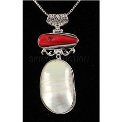 UNIQUE 15.28GRAMS MOTHER OF PEARL SILVER PENDANT