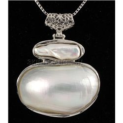 UNIQUE 17.21GRAMS MOTEHR OF PEARL SILVER PENDANT