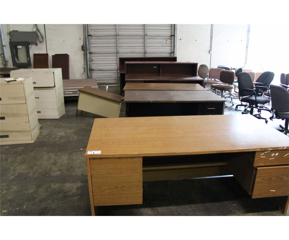 Large Lot Of Office Furniture