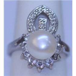 WHTE PEARL AND CZ RING