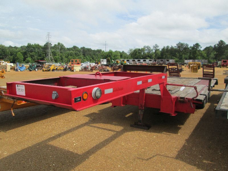 2010 BULLDOG TRI-AXLE FIFTH WHEEL TRAILER S/N 215534, 8 ...