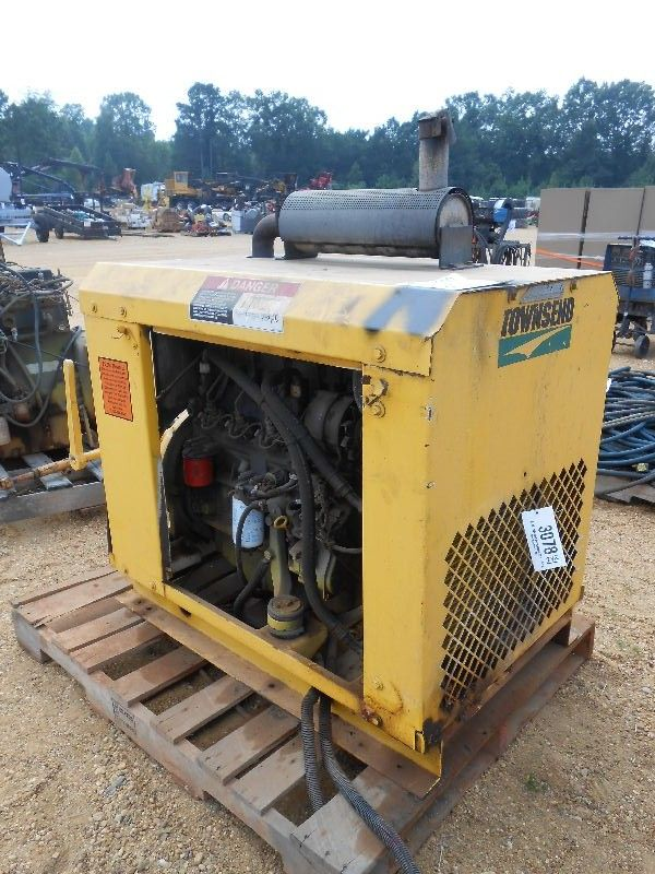 Engine Take Off : Diesel engine w power take off cooling system skid mtd