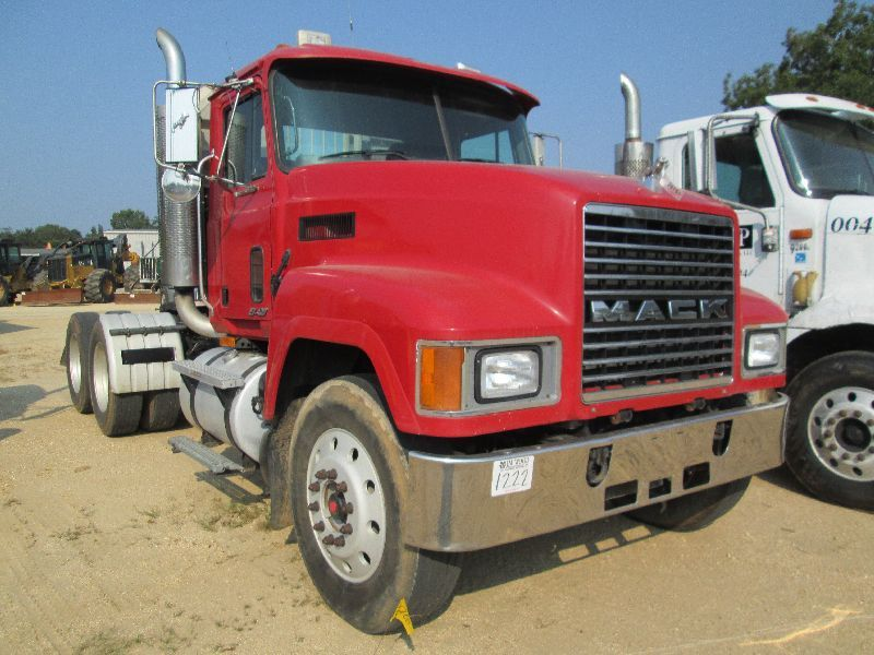 2000 Mack Tractor Truck : Mack ch t a truck tractor s n m aa y tw