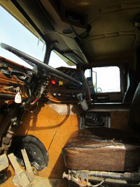 Tri Axle Cabover : Freightliner cab over tri axle truck s n
