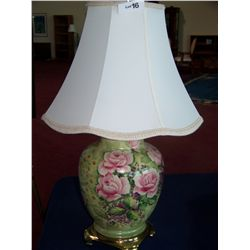 FINE VINTAGE LAMP WITH FLORAL MOTIF & SHADE