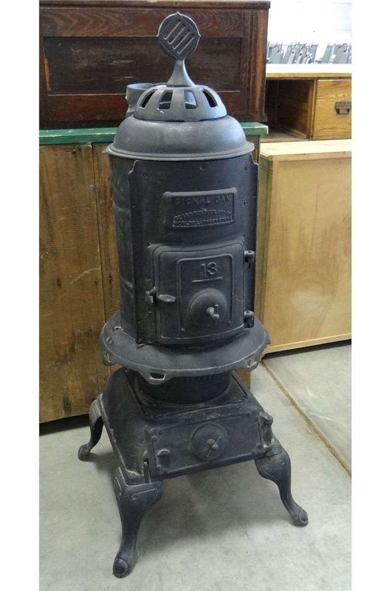 ... Image 2 : SIGNAL OAK Sears Roebuck and Co. cast iron wood stove, 13 - SIGNAL OAK Sears Roebuck And Co. Cast Iron Wood Stove, 13, 44
