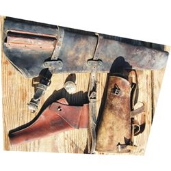 4 US items - scabbard, holster, puttees