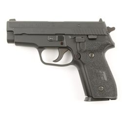 Sigarms Mdl P229 Cal .40S&W SN:AG14989