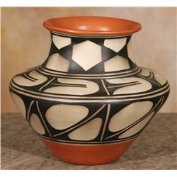 Santo Domingo Jar by Robert Tenorio (1950 - )