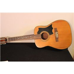 NICE ACOUSTIC GUITAR - NO MAKER NAME