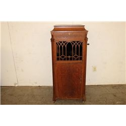 TALL FLOOR MODEL OAK VICTROLA BY EDISON PLAYS GREAT