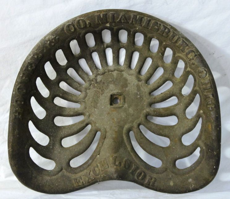 Cast Iron Tractor Seats : Hoover co excelsior cast iron tractor seat